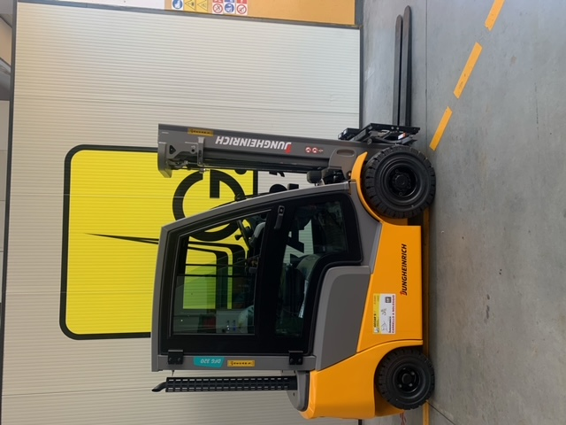 Carrello elev. Diesel usato e a noleggio JUNGHEINRICH DFG320